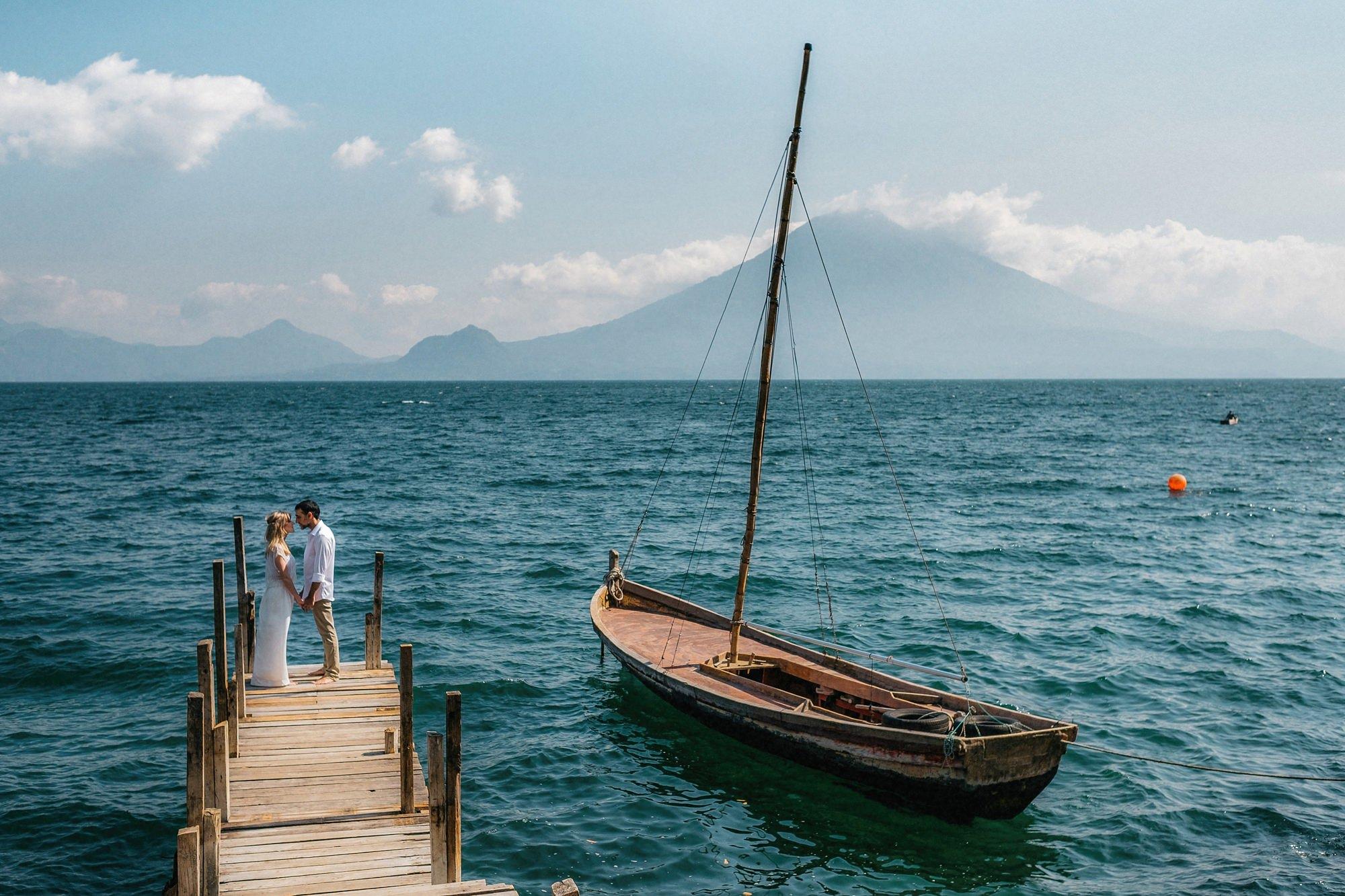 Boda Pequeña en Lago Atitlan
