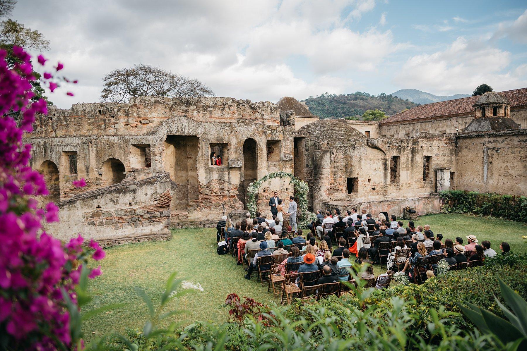wedding at convento de capuchinas 03